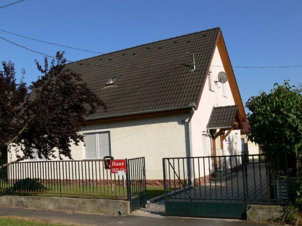 Fülöp családi házFülöp családi ház